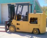 30,000lbs. Elwell Parker Solid-Tired Forklift 1