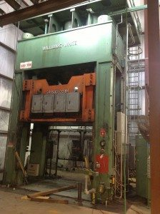 1,500 Ton Williams and White Gib Guided Hydraulic Press For Sale