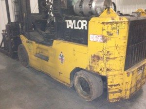 30,000lbs. Taylor T300 Forklift 3