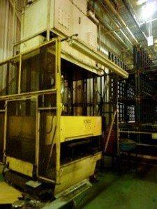200 Ton 4 Post Hydraulic Press