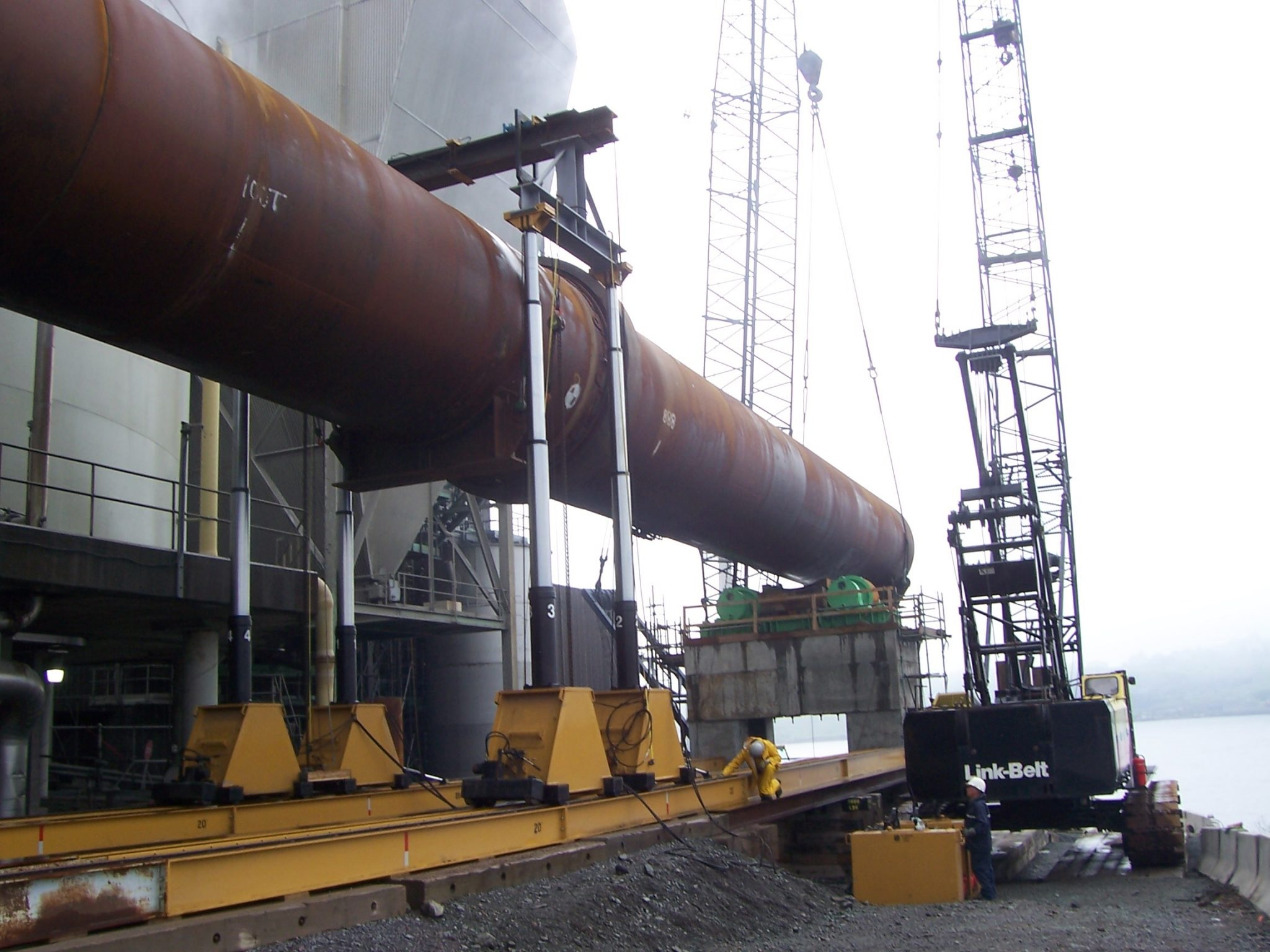 The Hydraulic Crane Is Used To Lift The 1400 : Ton lift systems a hydraulic gantry for sale call