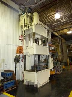 300 Ton Dake Four-Post Hydraulic Press For Sale