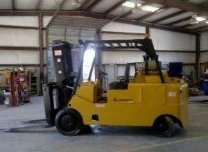 25,000lbs. Royal Forklift 2