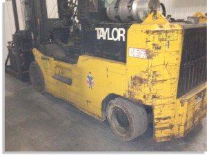 Taylor 30000lb forklift fork truck pic 7