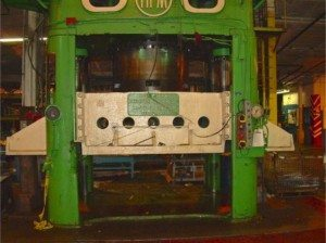2500 Ton HPM Press pic 3