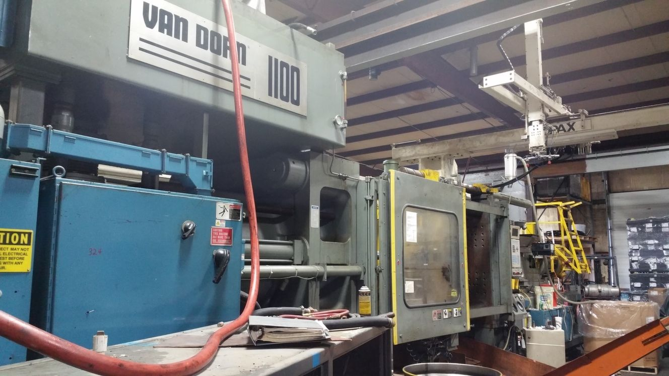 1100 Ton Van Dorn Plastic Injection Molding Machine For Sale