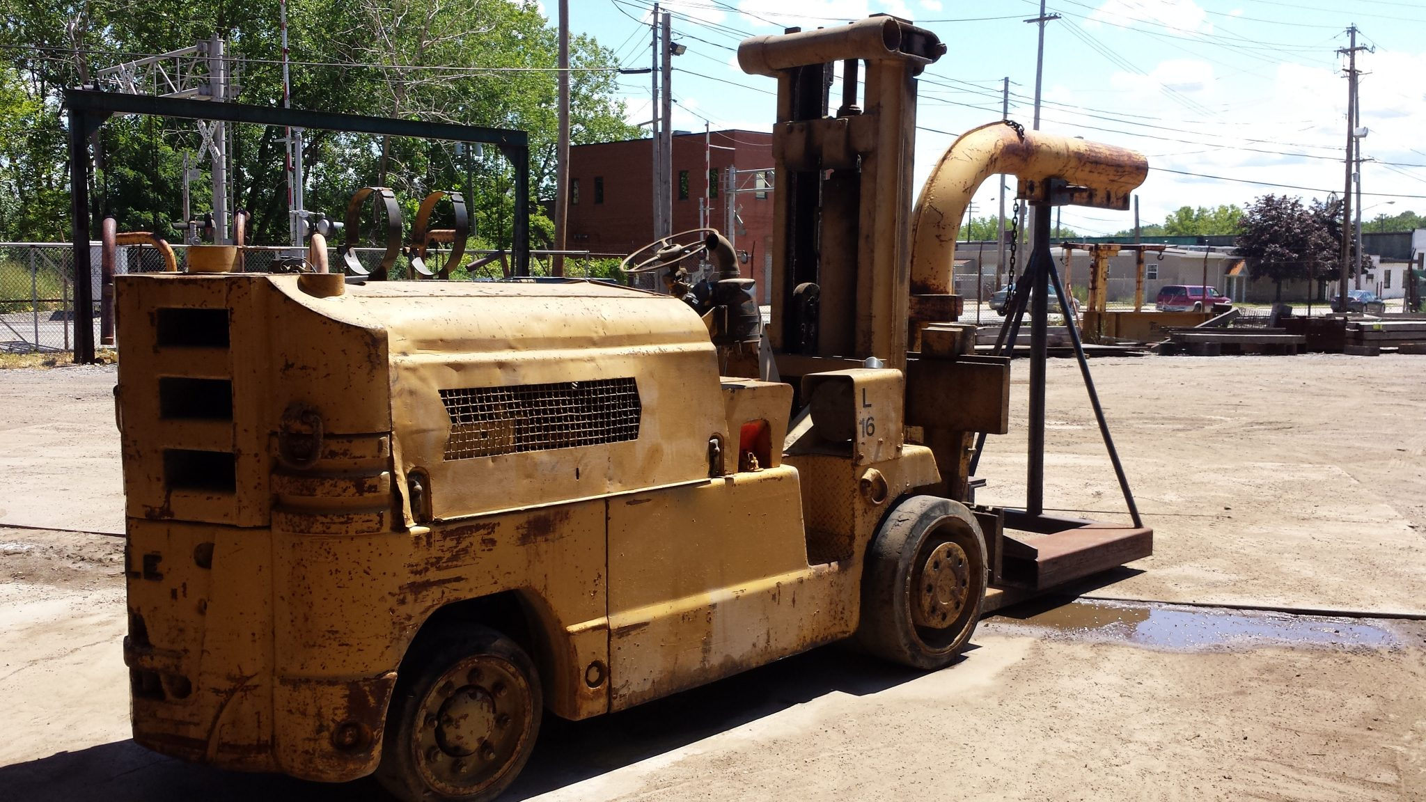 28,000lb Ugly Towmotor Forklift For Sale 14 Ton