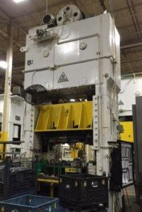 350 Ton Capacity Clearing Straight Side Press For Sale 1