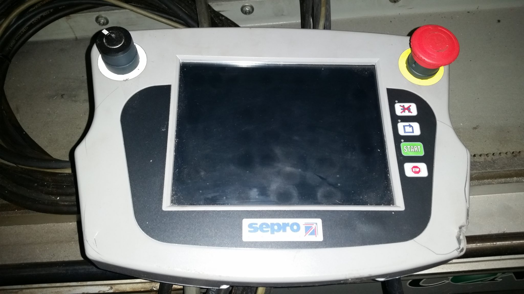Sepro Plastic Injection Molding Machine Robot For Sale (2)