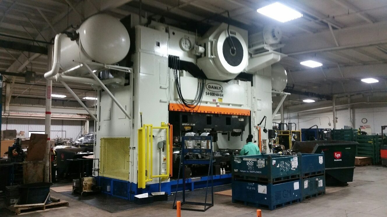 600 Ton Capacity Danly Straight Side Press For Sale