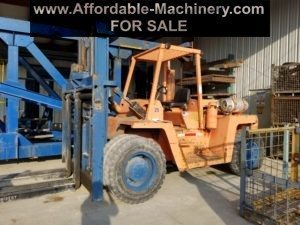 25,000lb Clark Forklift For Sale - Used