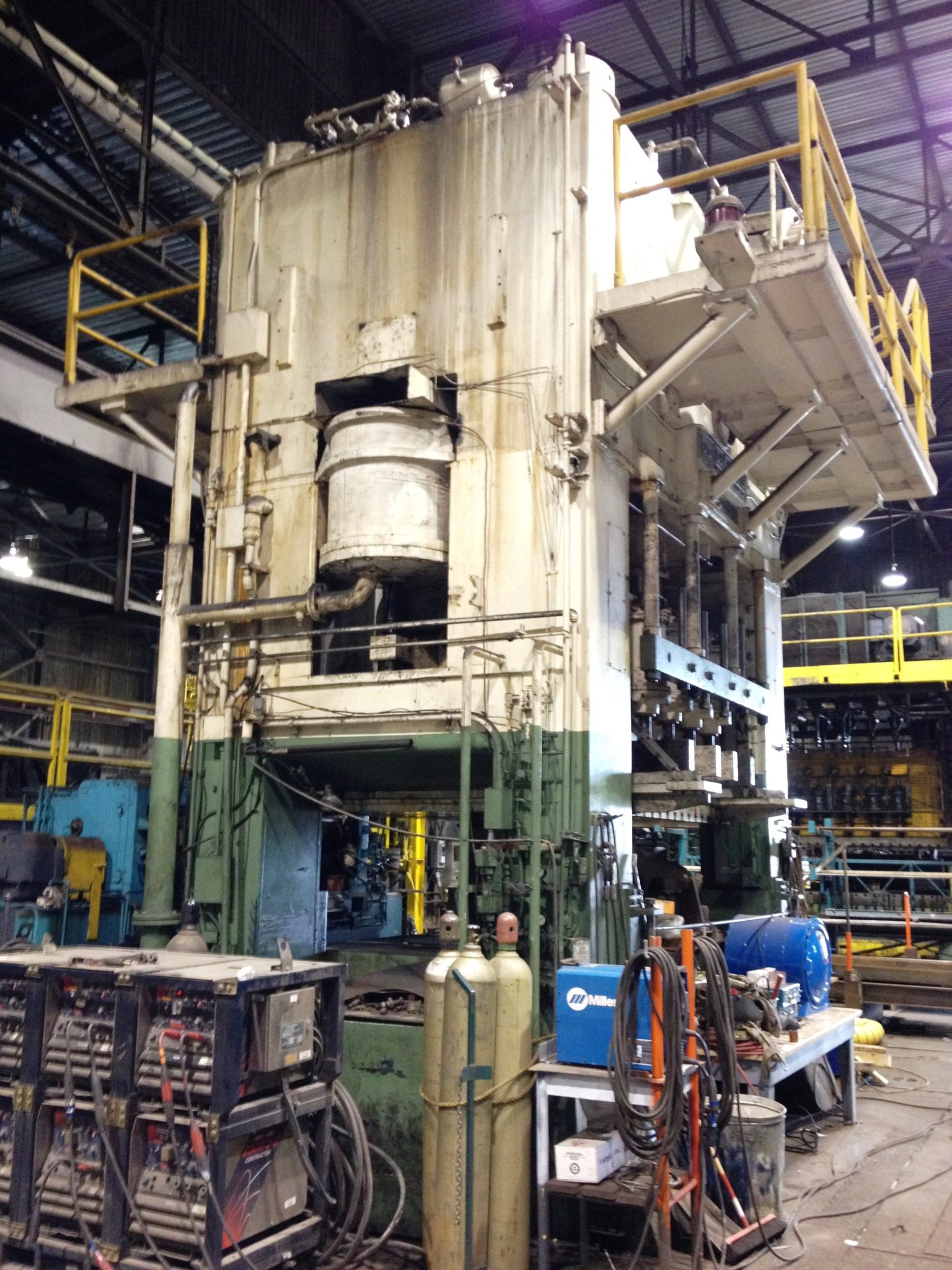 1,200 Ton Capacity USI Clearing Straight Side Press For Sale