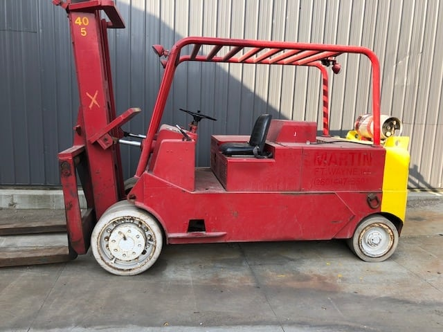 40,000 lbs. Capacity Cat Solid-Tire Forklift For Sale 20 Ton