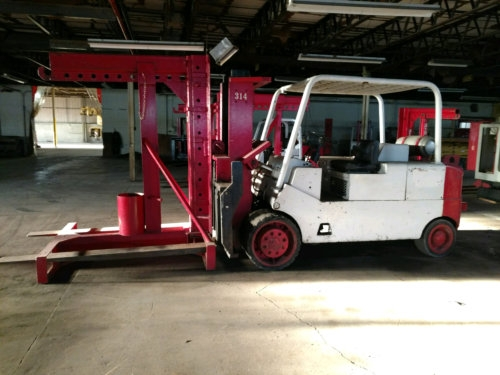 30000lb CAT T300 Forklift w/Boom For Sale