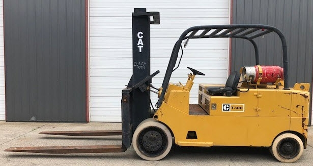 30000lb CAT T300 Forklift For Sale