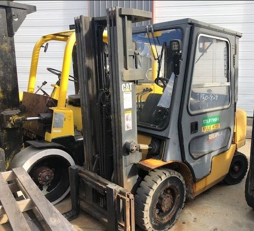 5000lb CAT Forklift For Sale