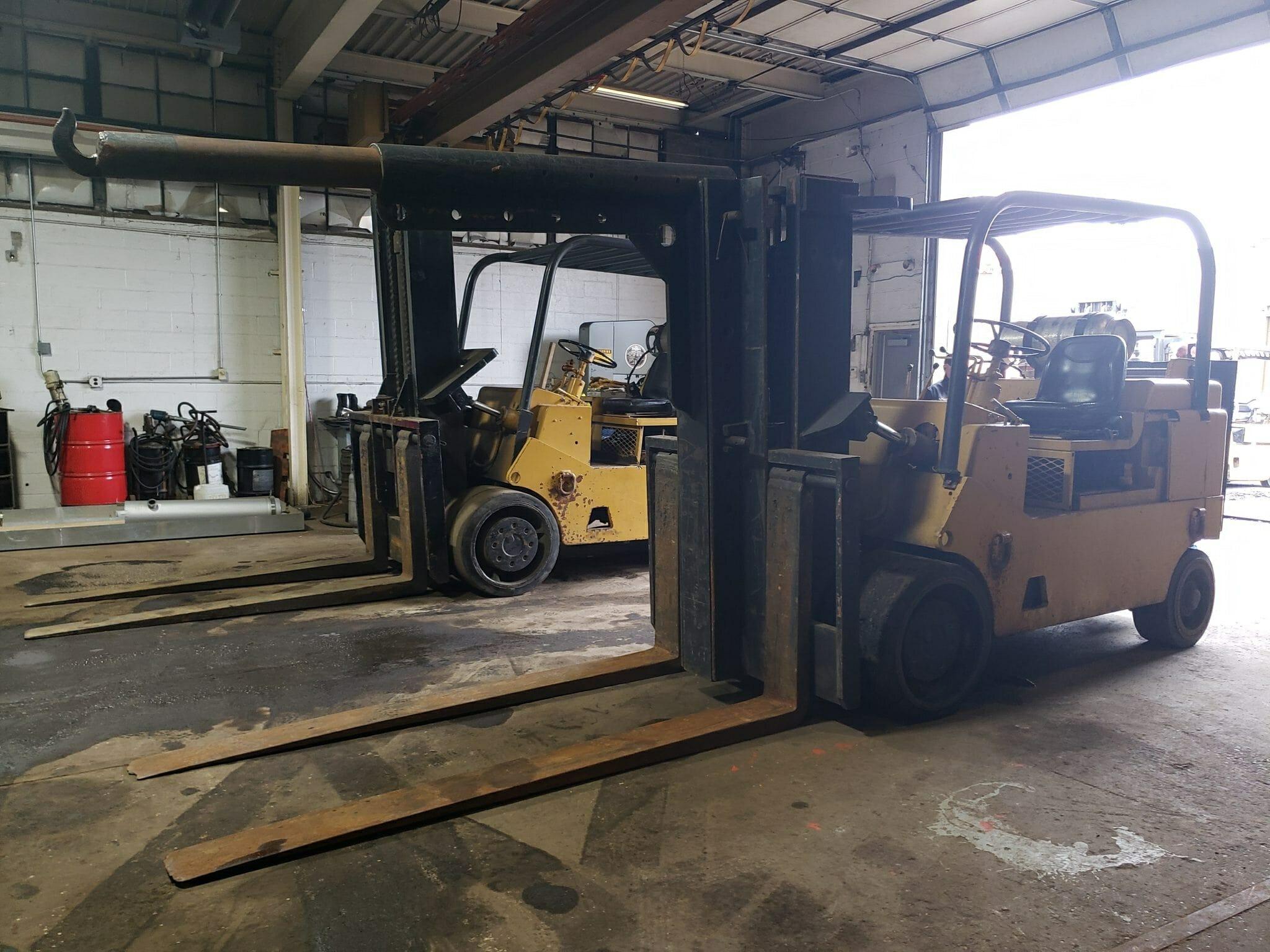 20000lb CAT T200 Forklift For Sale