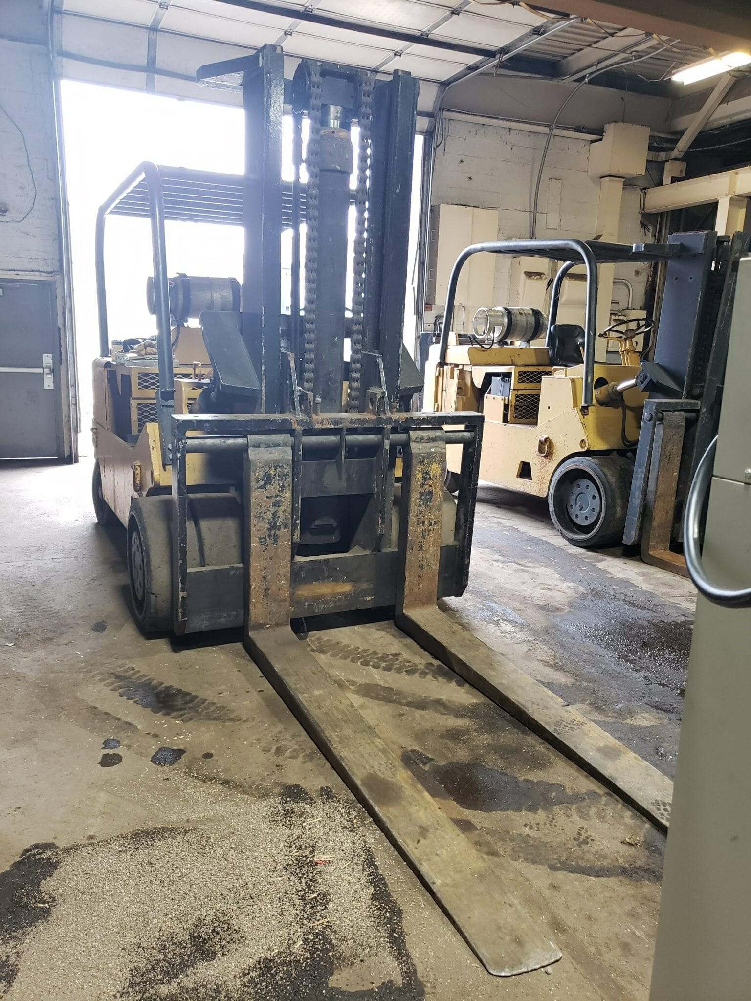 Used Large Capacity Forklifts For Sale (Fork Trucks) | Affordable