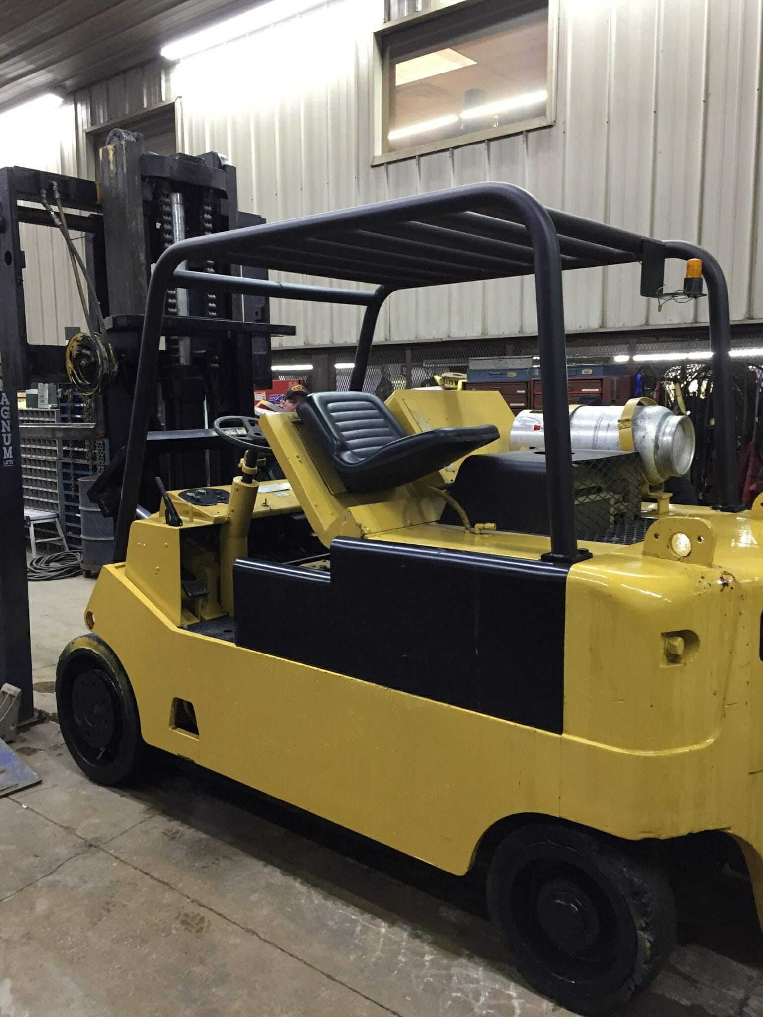 20000lb CAT T200 Forklift For Sale