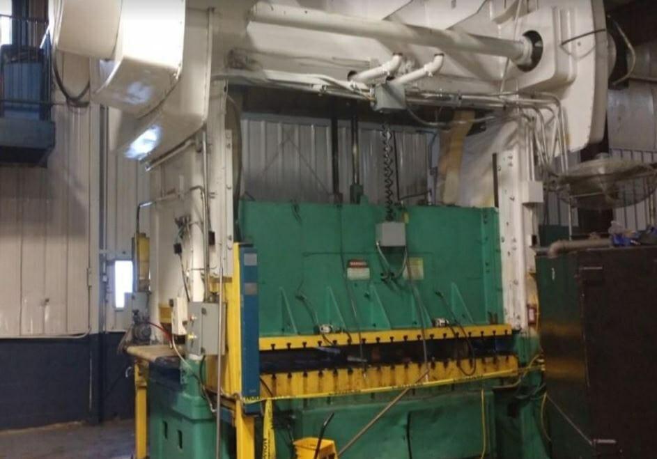 330 Ton Capacity Niagara Straight Side Press For Sale
