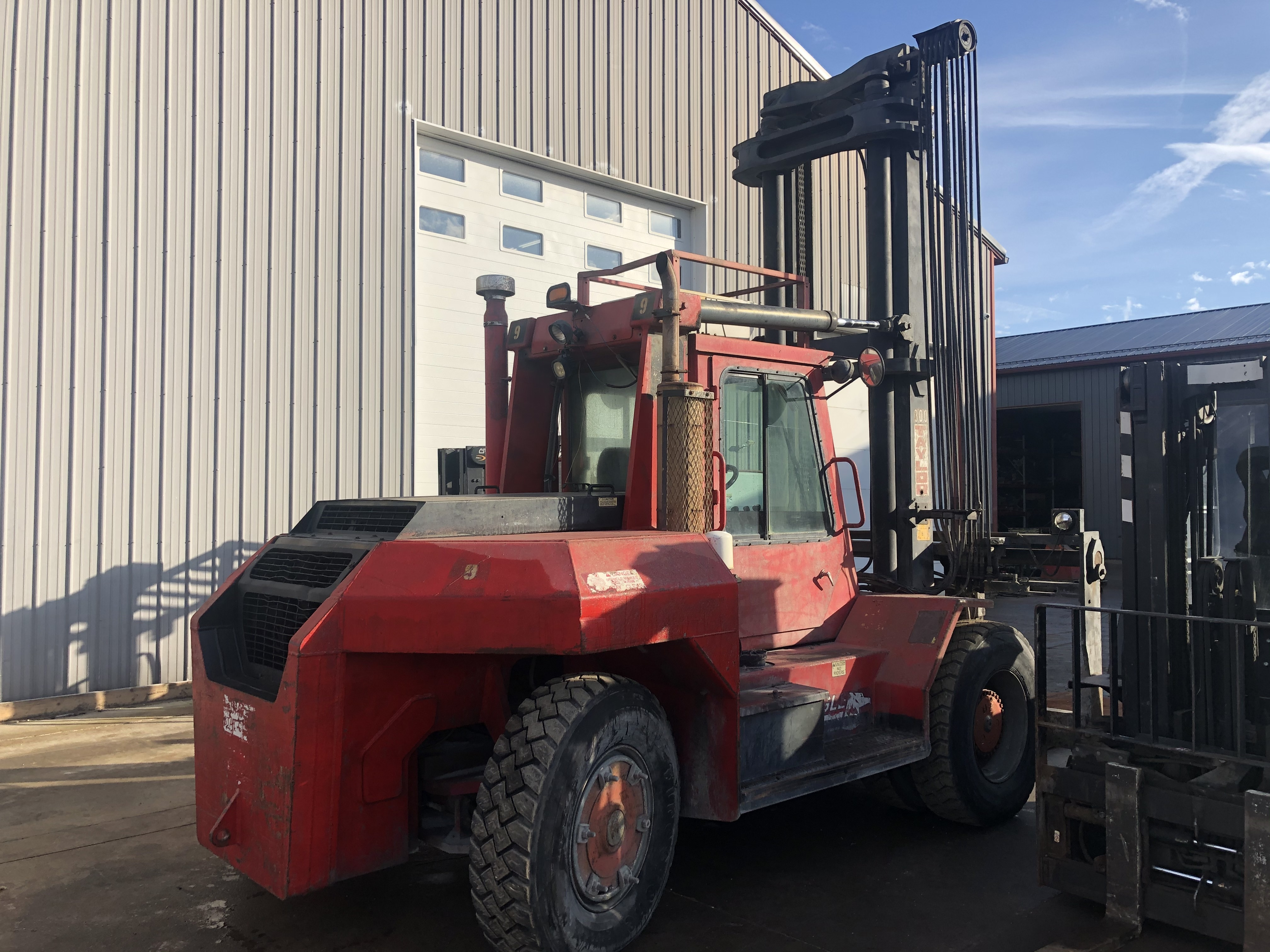 30,000 lb Capacity Taylor Forklift For Sale 15 Ton