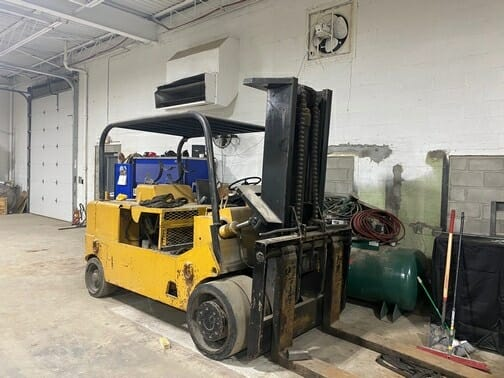 30,000 lbs Cat Forklift For Sale